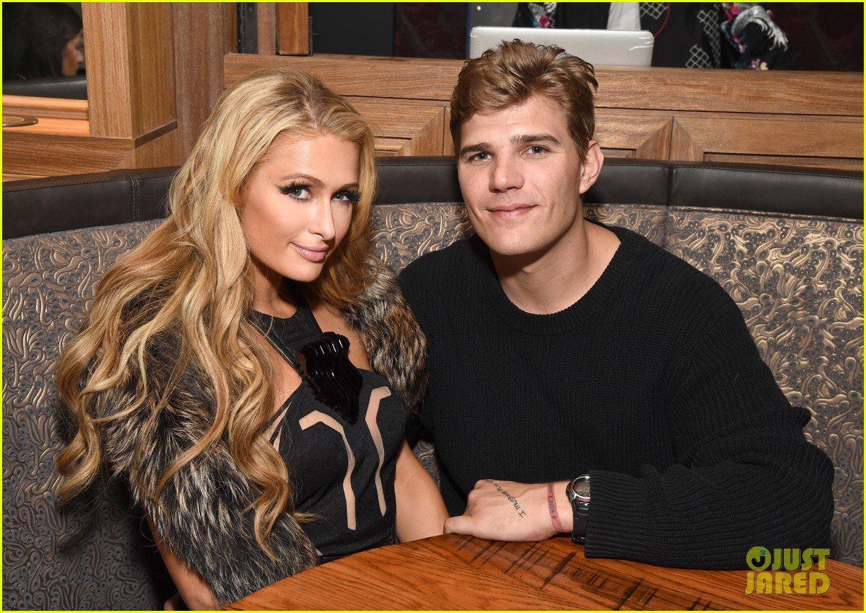 Paris Hilton Writes Super Sweet Tweet for Boyfriend Chris ...
